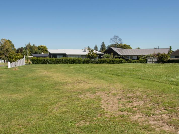 6 Cabbage Tree Grove , Kinloch